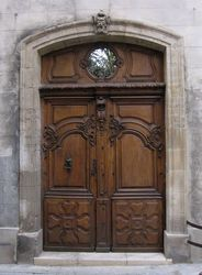 Porte Ancienne en Noyer, Avignon, France