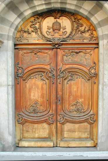 Door with Pope Coat of Arm