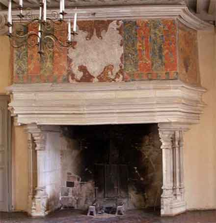 Romanzsque chimneypiece